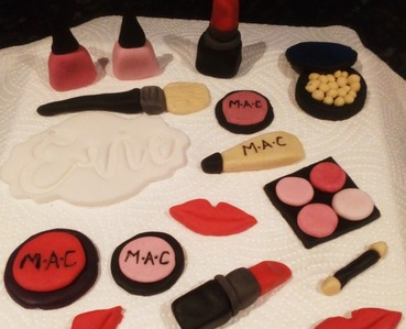 fondant modelled makeup