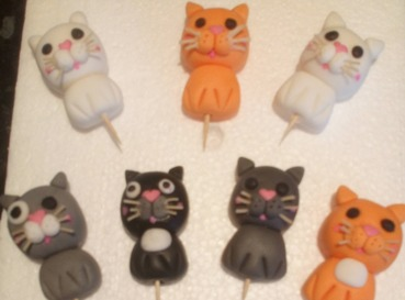 fondant modelled cute cats