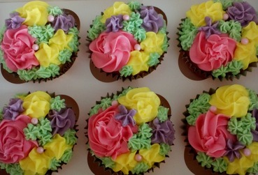 spring coloured mothers day cupcakes
