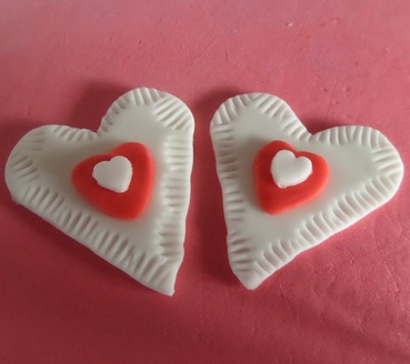 fondant heart cupcake toppers