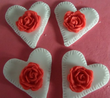 love hearts with roses toppers