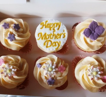 boxes of 6 mothers day cupcakes