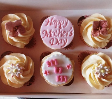 box of 6 happy mothers day cupcakes