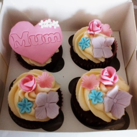 Mothers day love heart mum, box of 4 cupcakes