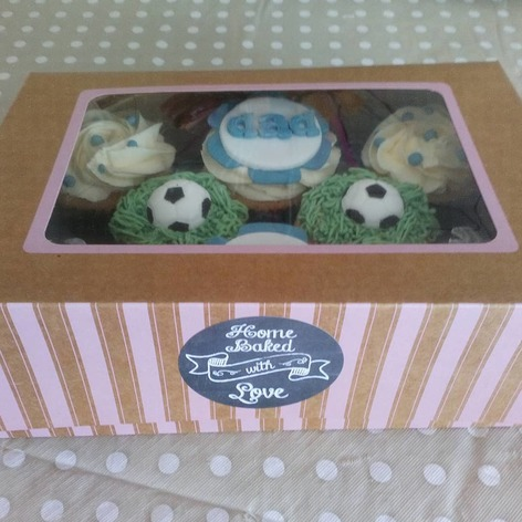 All boxed and ready to go fathers day cupcakes