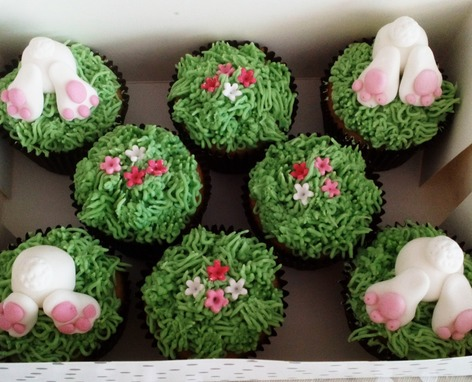 Box of 8 Easter bunnies in the grass cupcakes