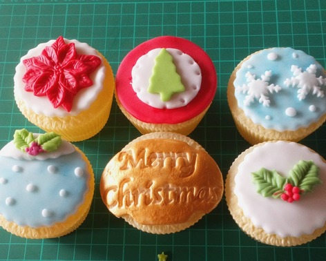 christmas themed cupcakes boxes