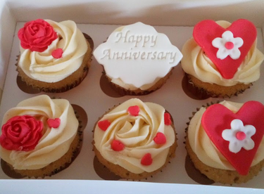 Rose and hearts anniversary cupcakes