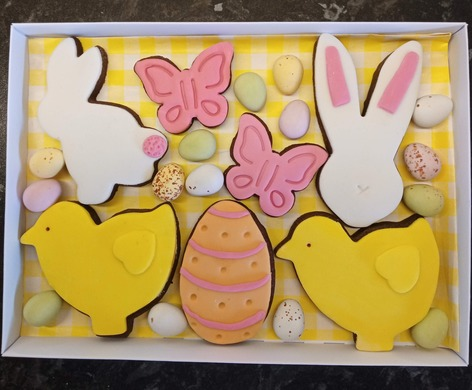 Easter chocolate shortbread biscuit box