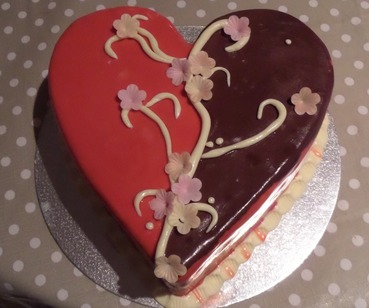 engagement or valentines day cake
